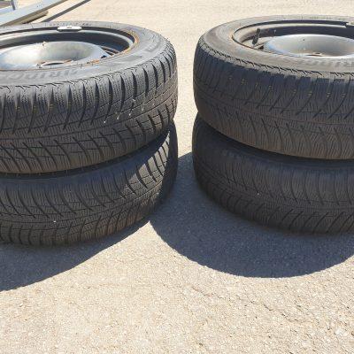 Winterreifen Bridgestone 205/60R16