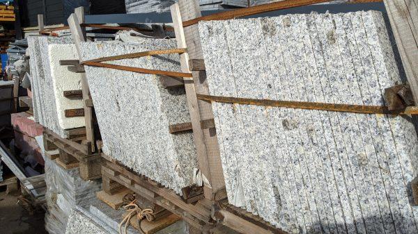 Granitplatte_Terrassenplatte_poliert